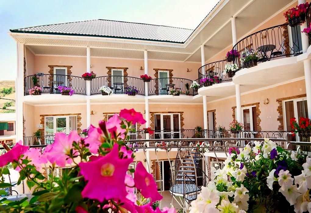 Отдых в Гостиница «Приват-отель» (Судак)